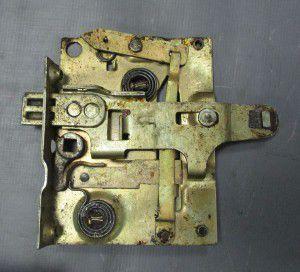 замок дверей лівий г-53,маз-500, 150761039, газ